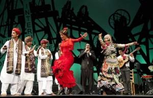 María presentó un espectáculo que mezclaba la cultura española con la hindú.