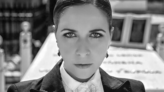 Rocío Márquez cuelga el cartel de 'no hay billetes' para la presentación de su disco en una Bienal con sabor onubense