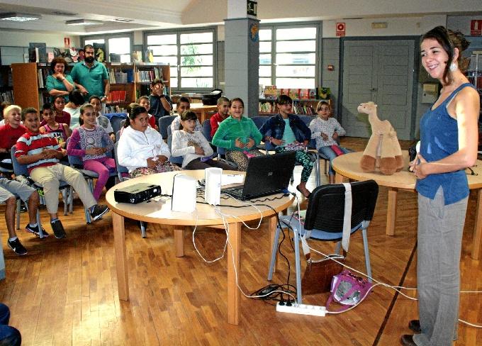 Se trata de una actividad del Programa 'Andalucía Lee. Letras Minúsculas. Letras Jóvenes'.