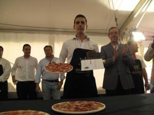 Javier Sousa, primer premio del concurso de cortadores de la Feria del Jamón.