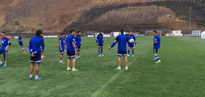 El Recre se entrenó en las islas antes de su retorno a Huelva. / Foto: @recreoficial.