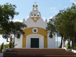Iglesia de Corrales, todo un símbolo del enclave.