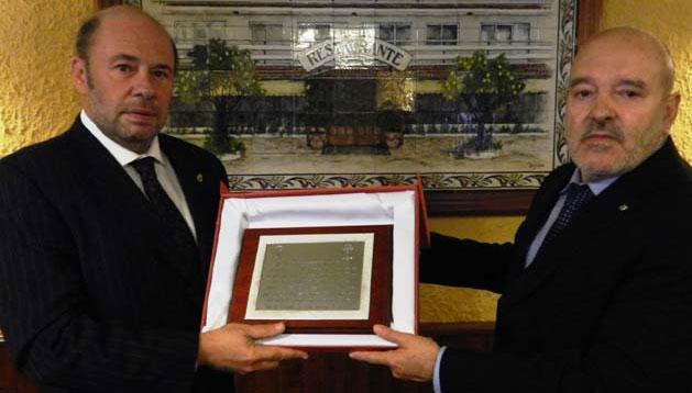 Pablo Comas y Miguel Concepción, presidentes del Recreativo y del Tenerife, respectivamente. / Foto: www.recreativohuelva.com.