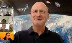 Una captura de pantalla de la videoconferencia de la NASA.