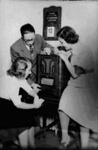 Huelva es pionera de la radio en España. / Foto: taringa.net.