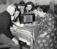 La vida de generaciones de onubenses no puede entenderse sin la radio.