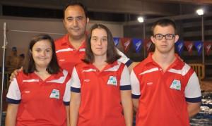 Los representantes del Coda, con su técnico, que participarán en el Mundial que se celebra en México.