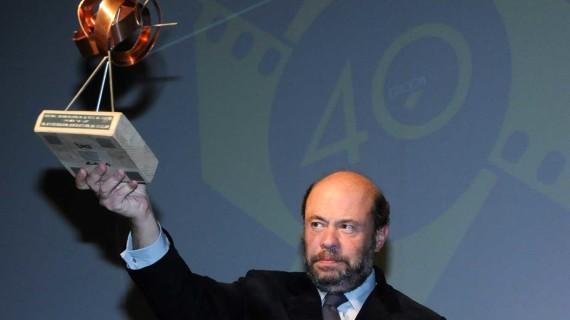 El Iberoamericano entrega el Premio La Luz al Recreativo de Huelva en su 125º aniversario