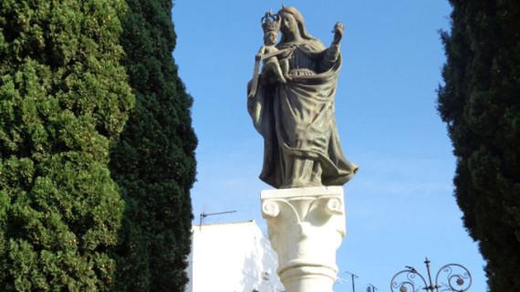 Una columna recuerda cómo la Virgen Chiquita sobrevivió a la Guerra Civil