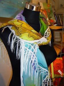 Mantoncillos pintados en seda.