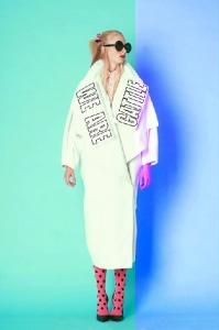 Anima a los jóvenes a apostar por una visión 'romántica' de la moda. / Foto: Fran Domínguez.