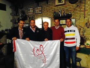 Miguel Pardeza, con los miembros de la Comisión del Centenario de La Palma Club de Fútbol.