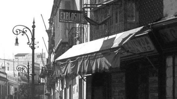 Comienzos de la actual calle Jesús Nazareno desde La Placeta en los años cuarenta del pasado siglo XX