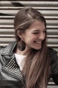 Sara es de Huelva capital.