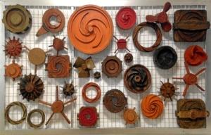 Turbinas y hélices de la colección de moldes de madera para fundición de las minas de Tharsis. / Foto: E. Molero y M. Santofimia.