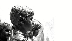 Lagares tiene repartidas esculturas en toda la provincia.