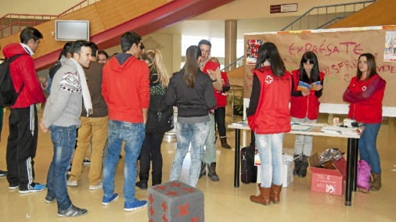 Cruz Roja Huelva promueve acciones de sensibilización ante el VIH