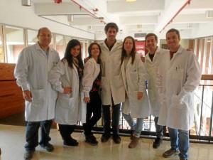 El joven es Licenciado en Farmacia por la Universidad de Sevilla.