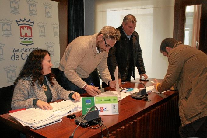 Firma de las ayudas de Guadiodiel.