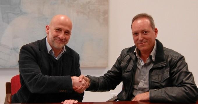 Firman un acuerdo con la flota pesquera de Palos para mejorar sus condiciones en el puerto de Mazagón