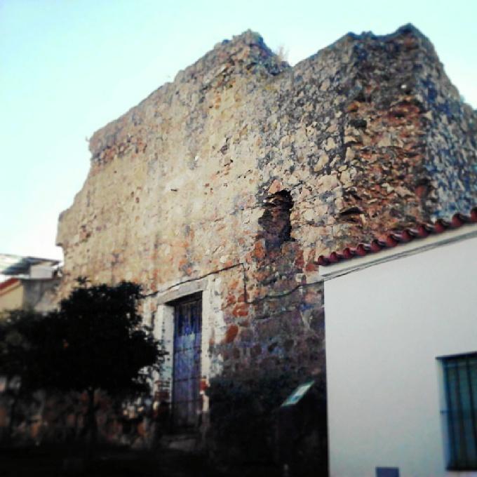'Descubre tus fortalezas' visita este sábado el castillo de Encinasola.