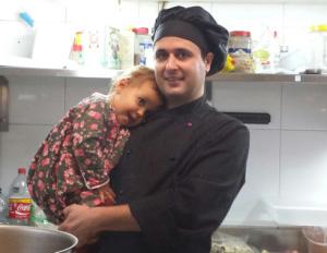 David Perea, junto a su hija Lola.