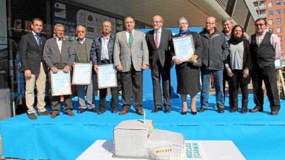 El Mercado del Carmen homenajea a sus comerciantes más veteranos en su aniversario