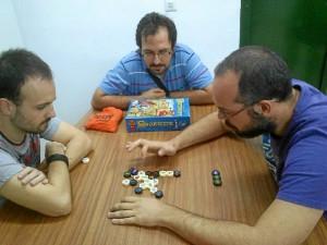 A la izquierda, Fran Gómez, jugando.