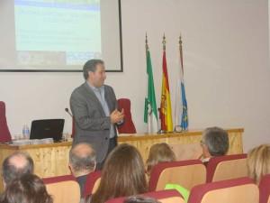 La sesión fue impartida por el veterinario bromatólogo Dr. Ángel M. Caracuel García.