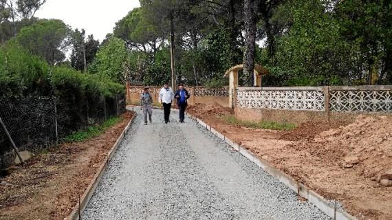 Iniciada la reparación de los carriles de Los Pinos de Valverde
