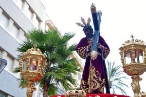 El Señor de Pasión procesiona el Martes Santo de Huelva.