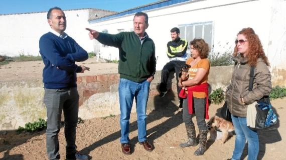Punta Umbría se acerca a la asociación 'Puntanimals'