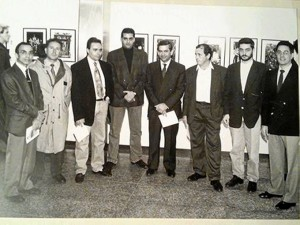 Comenzó a trabajar como fotógrafo de prensa en El Correo de Andalucía. / En la imagen, en una exposición junto a fotógrafos de Semana Santa.