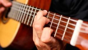 La música forma parte de nuestra idiosincrasia, aunque nos hallamos parado poco a estudiarla.
