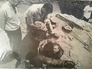 También ha colaborado con excavaciones. Aquí, en un pozo en el solar situado detrás de Nuevas Galerías.