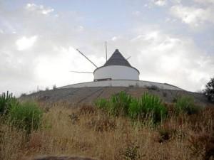 Pie Castillo en El Almendro. /Foto: www.foro-ciudad.com