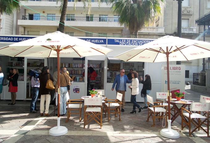 La Feria del Libro de Huelva ha incrementado sus ventas este 2015.