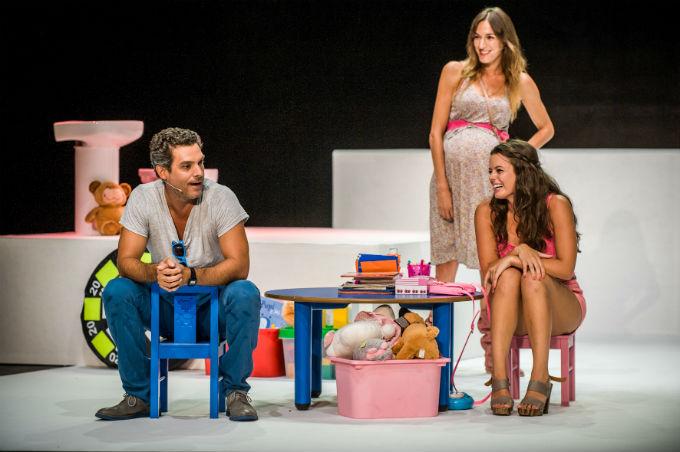 La actriz comparte escenario con el también onubense Javier Mora.