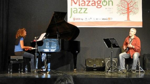 Elisabet Raspall y Dani Pérez inauguran los conciertos de Mazagón Jazz