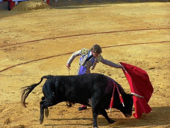 José Garrido borda el toreo en Cortegana en el mano a mano con Borja Jiménez