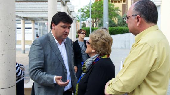 Gabriel Cruz propone sacar en alquiler las plazas del parking de Los Rosales