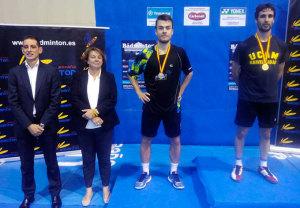 Pablo Abián, con su medalla como ganador en el torneo celebrado en Madrid. / Foto: @Bad_Esp.