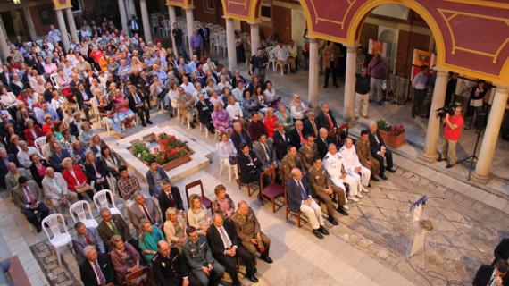 La capital acoge una exposición sobre banderas históricas del Ejército español