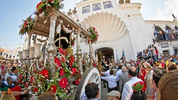 El obispo abre el Año Mariano Jubilar este sábado en El Rocío, donde continuará la presentación de hermandades