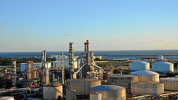 La refinería de Cepsa en La Rábida (Huelva) es altamente contaminante, aunque el peor foco de contaminación es la central carbón de Endesa en Almería.