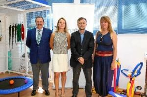 De izquierda a derecha: Matías Rodríguez, Presidente ASPROMIN; Paula Chaves, directora RR Institucionales MATSA, José Fiscal, delegado de Gobierno de la Junta de Andalucía en Huelva; y Pilar Miranda, delegada de Servicios Sociales del Ayuntamiento de Huelva.