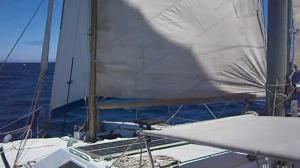 """El catamarán """"Galdul"""" navegando desde Madeira hacia Huelva en 2012."""