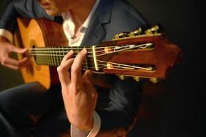 Paco de Lucía y Niño Miguel son dos de sus referentes en cuanto a guitarra clásica.
