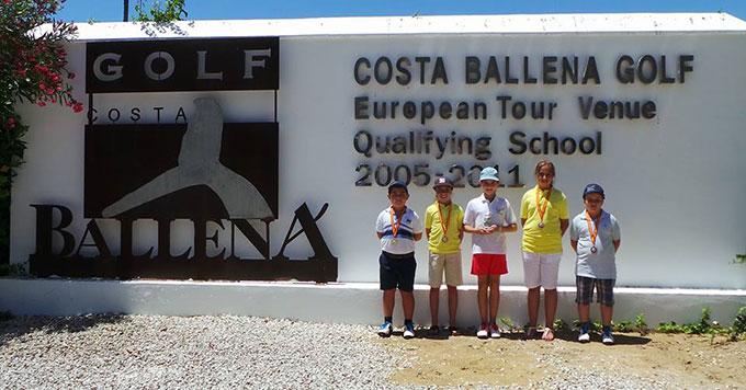 Los niños que representaron a la Acdeamia de Chris Truter en Costa Ballena Golf.