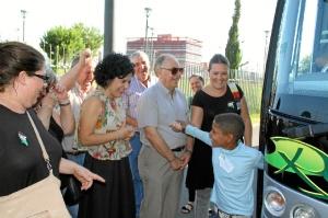 El Estadio Iberoamericano ha sido el lugar elegido para recibir a los pequeños procedentes de los campamentos de refugiados de Tindouf.
